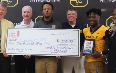 Rodrigues Clark receives Giant of the Week
