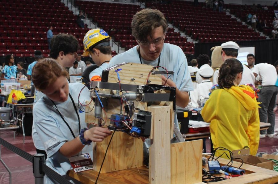 Robotics+team+competes+at+state+competition