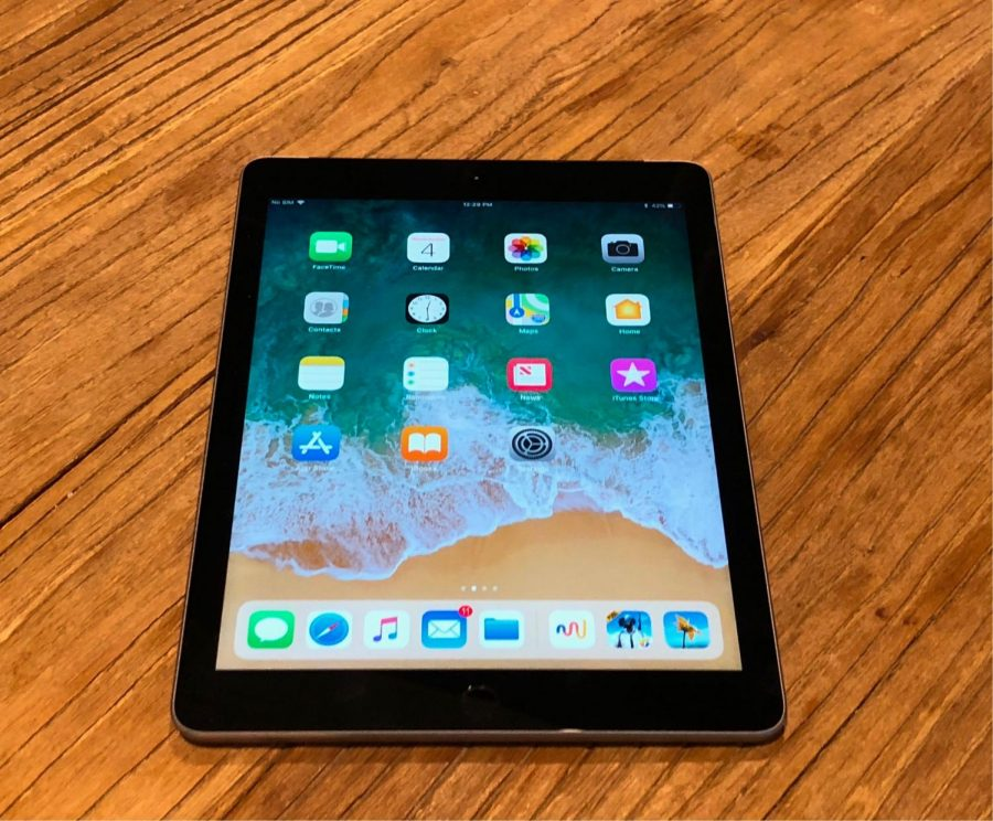 Should Students Be Using Tablets At School The Shs Jacket Buzz