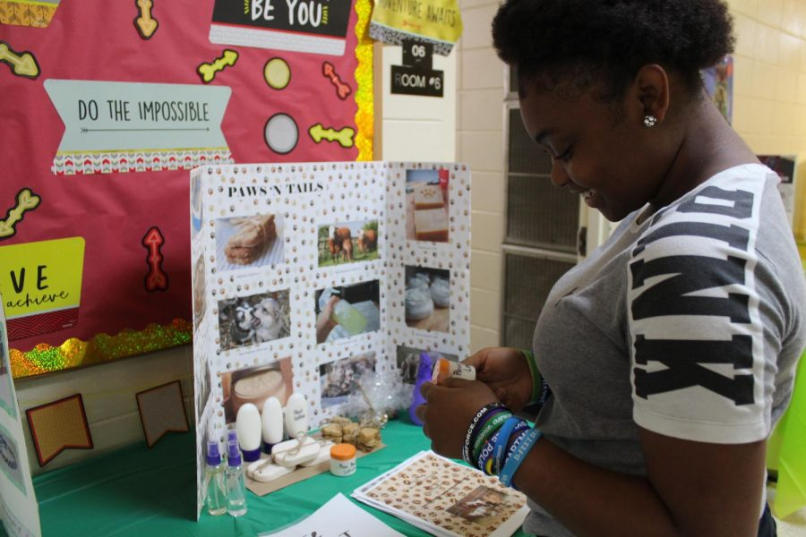 Students display entreprenuership projects