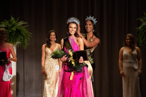 Harper Ford is crowned Miss Yellow Jacket 2021